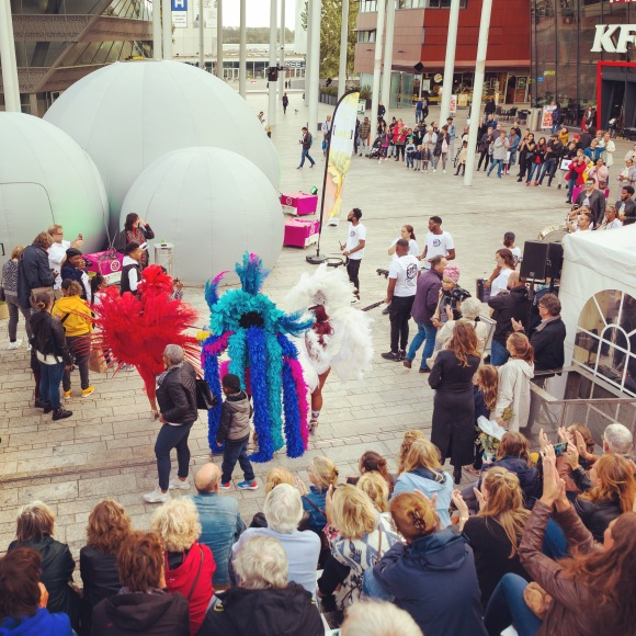 Opening van ons Labyrinth of the Senses op het Uitfestival in Almere